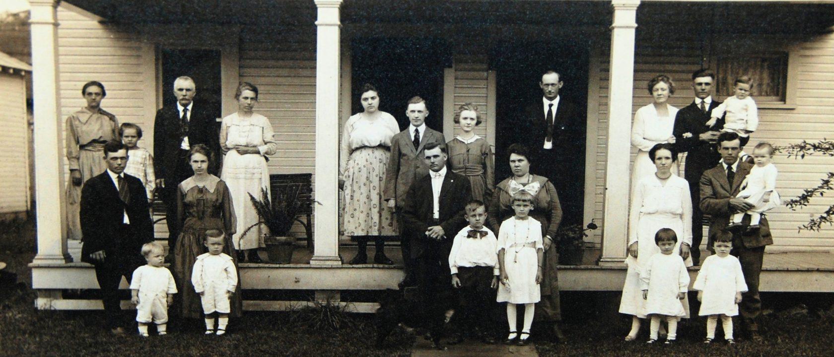 West Union West Virginia (abt) 1918 – Finley Family Reunion